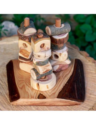 Pilares de la  Tierra base de madera con corteza